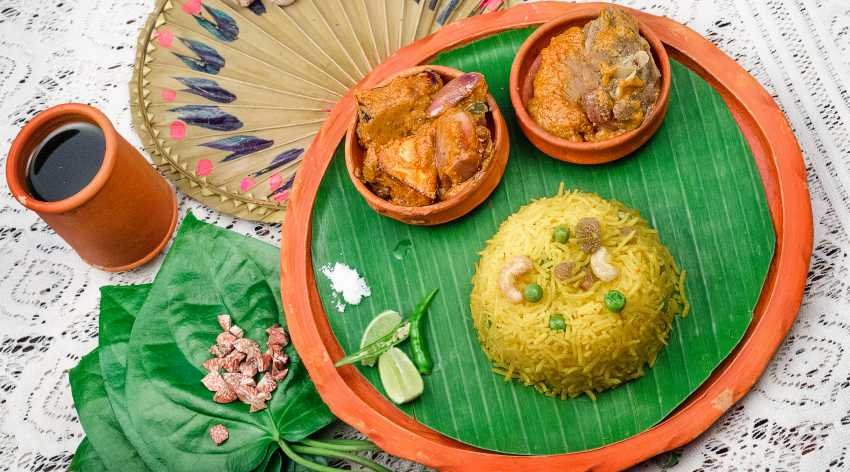 Bengali_Peas_Pulao_with_Mutton_Masala_-_Traditional_Bengali_Style
