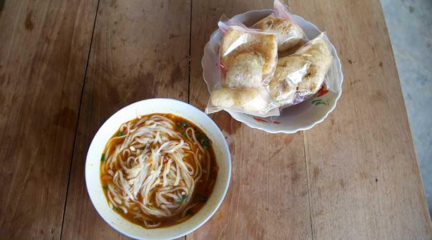 Shan Noodles Soup