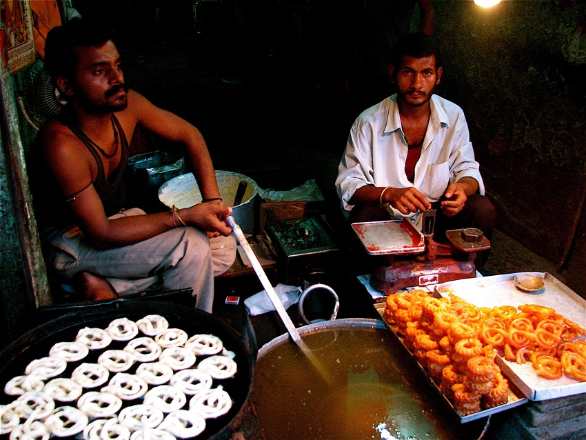jalebis in Chandni chowk - Yogesh rao - flickr