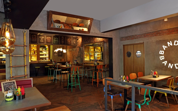 Monkey Bar Bandra Mumbai - India's first Gastropub (4)
