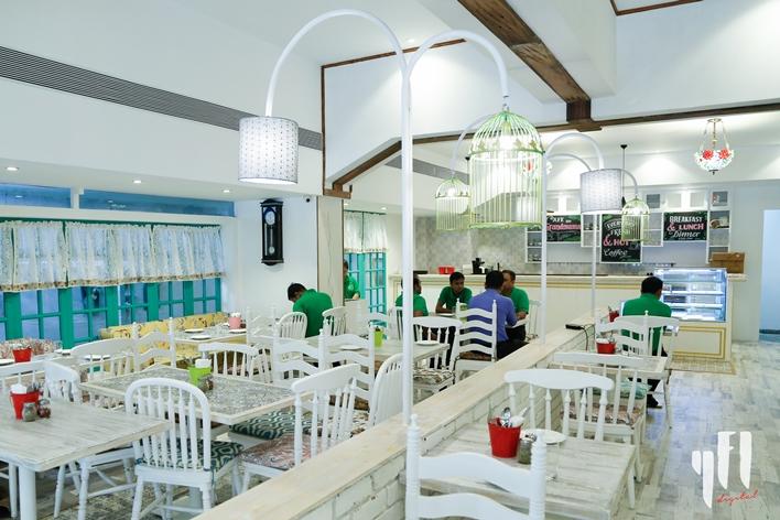 Grandmama's Cafe Juhu interior 3