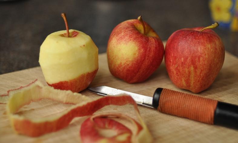 Apples- poppy