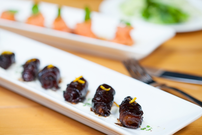 Bacon and parmesan wrapped dates with creme fraiche - Terttulia