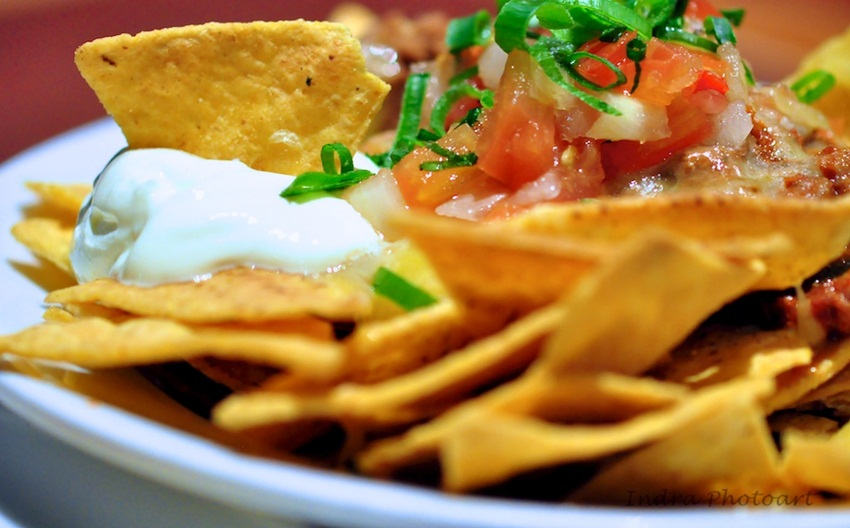nachos by earls37a - flickr