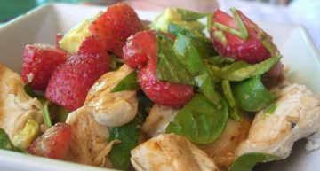 Recipe: Easy chicken and strawberry salad