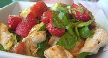 Recipe: Easy chicken and strawberrysalad