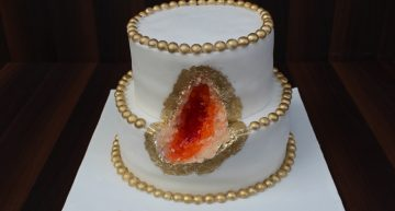 What are geode cakes and why are they sopopular?